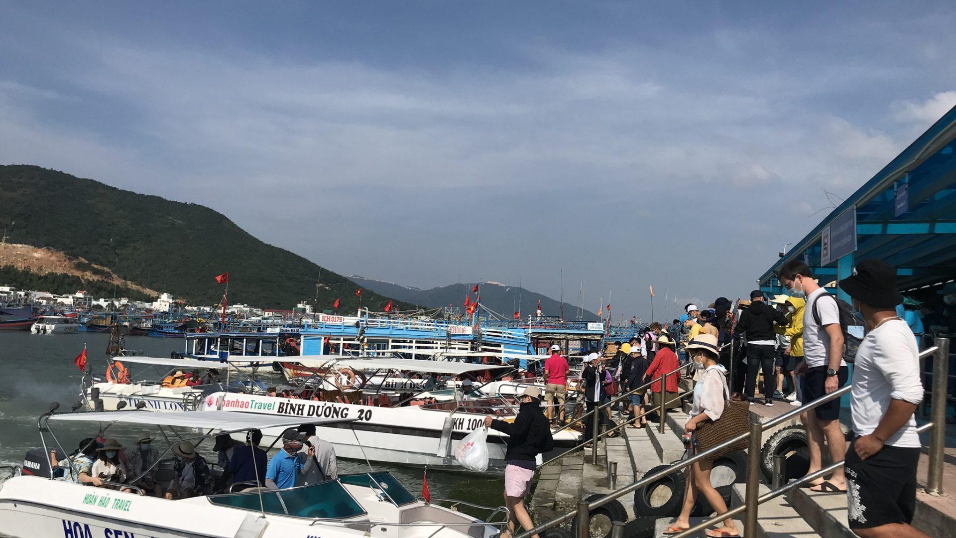 Du lịch nghỉ lễ 30.4 - 1.5: Nha Trang vừa đón khách, vừa tăng cường phòng dịch Covid-19 - ảnh 2