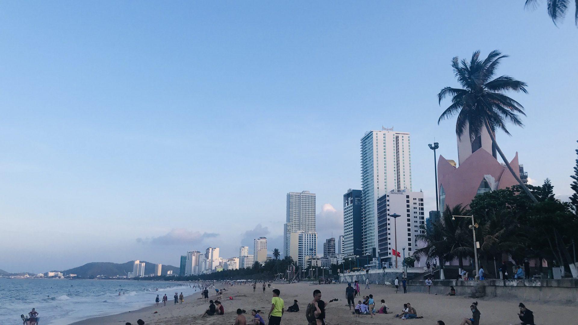 Bãi biển Nha Trang chiều 28.4  /// Ảnh: Phan Lê